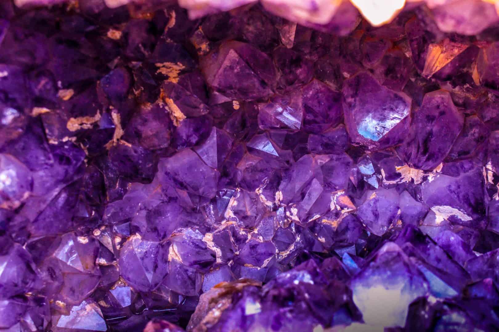 Die Homöoquantic Kristalle für Selbstliebe, Herzöffnung & Vertrauen sowie Lebensfreude